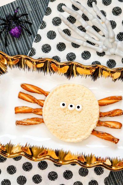 Halloween Snacks: Spider Uncrustables